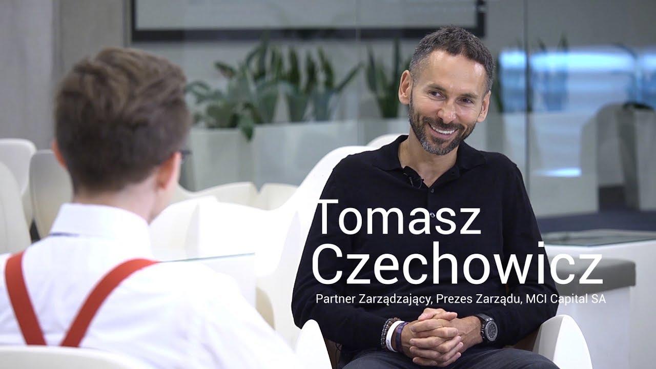 Przedstawiciel firmy udziela wywiadu, który zorganizowała agencja public relations